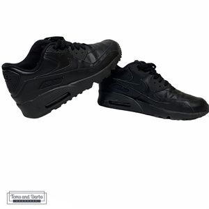 Nike Air Max 90s Youth Size 6 in All Black